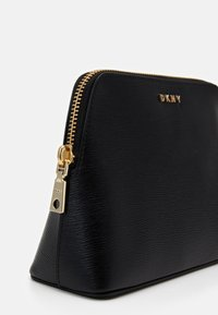 DKNY - BRYANT COSMETIC CASE - Trousse - black/gold - 3