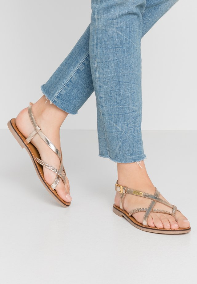 CHOU - T-bar sandals - or