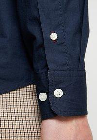 Selected Homme - SLHSLIMMARK-WASHED - Business skjorter - navy blazer - 3