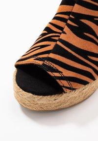 River Island Wide Fit - Højhælede sandaletter / Højhælede sandaler - orange - 2