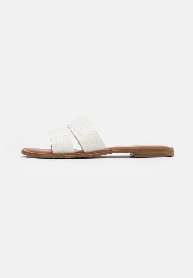 FELINFACH - Sandalias planas - white