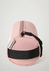 Napapijri - HAPPY  - Pencil case - pink woodrose - 2