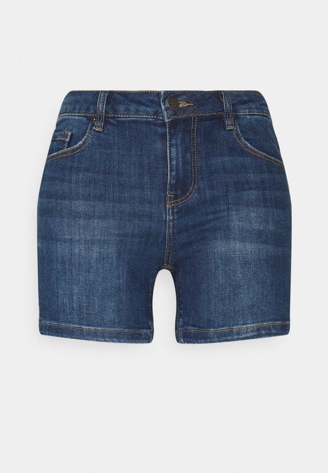 VMLYDIA TAP SHORTS - Denim shorts - medium blue denim