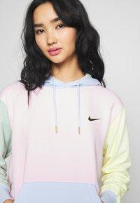 Nike Sportswear - HOODIE - Luvtröja - pink foam /hydrogen blue - 5
