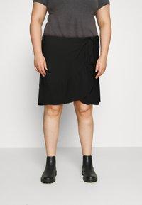 Vero Moda Curve - VMCITA BOBBLE WRAP SKIRT CURVE - Mini skirt - black - 0