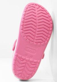 Crocs - CROCBAND RELAXED FIT - Sandalias planas - pink lemonade / white - 5