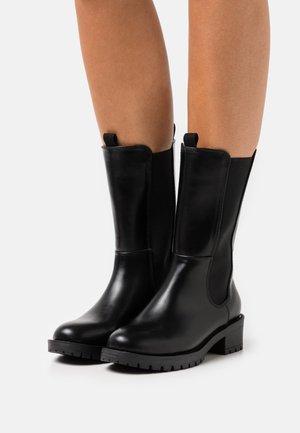 BIADELYN LONG CHELSEA BOOT - Støvler - black