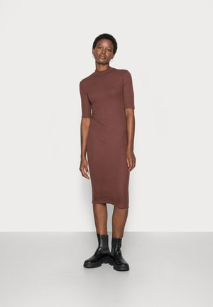 KROWN  DRESS - Pouzdrové šaty - deep mahogony