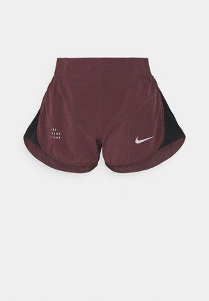 RUN TEMPO SHORT - Sports shorts - dark wine/black/(black)