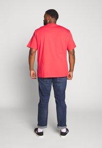 s.Oliver - KURZARM - Print T-shirt - red - 2