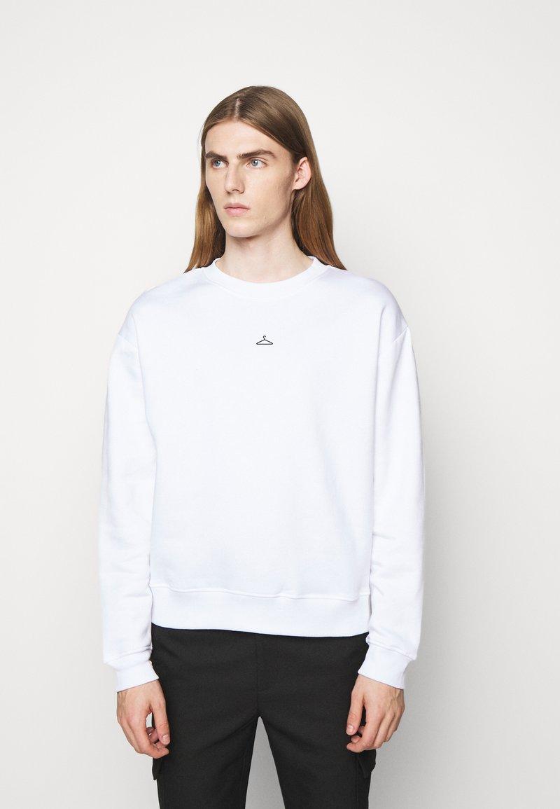 Holzweiler - HANGER CREW UNISEX - Sweatshirt - white