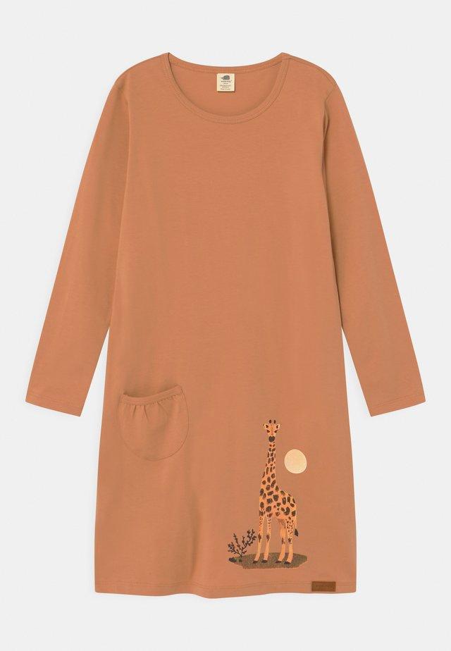 GIRAFFE - Jersey dress - camel