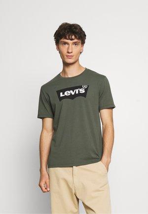 HOUSEMARK GRAPHIC TEE - Print T-shirt - thyme