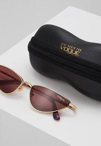 VOGUE Eyewear - GIGI HADID LA FAYETTE - Sluneční brýle - gold-coloured - 2