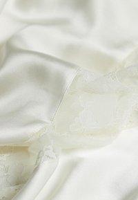 Intimissimi - SEIDENMORGENMANTEL - Dressing gown - talco - 4