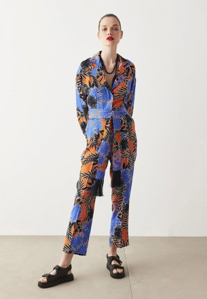 OVERALL PATTERNED - Jumpsuit - orange