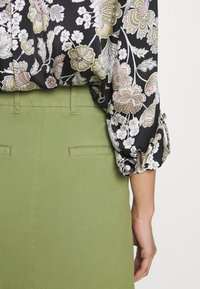 Marc O'Polo - SKIRT CHINO STYLE SHORT LENGTH - A-line skirt - seaweed green - 3