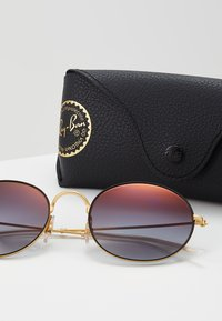 Ray-Ban - Sunglasses - rubber gold-coloured on top black - 3