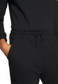 Even&Odd - Jumpsuit - black - 4