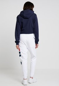 Fila - PURE BASIC PANTS - Trainingsbroek - bright white - 2