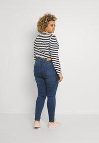 Noisy May Curve - NMCALLIE WESTERN - Jeans Skinny Fit - medium blue denim - 2