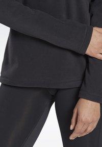 Reebok - OUTERWEAR QUARTER-ZIP TOP - Fleece jumper - black - 4