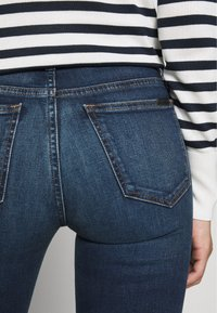 Joe's Jeans - HI HONEY - Bootcut jeans - dark-blue denim - 5
