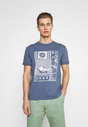 GALINDO - T-shirt med print - china blue