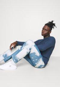 Jaded London - CLOUD SKATE - Jeans baggy - blue - 3