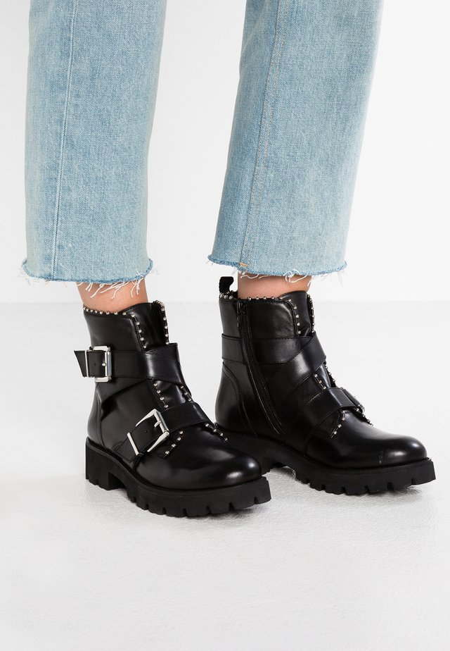 HOOFY - Cowboy- / bikerstøvlette - black