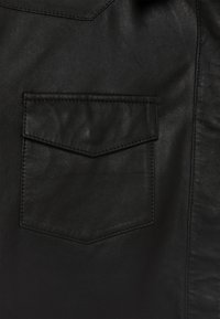DEPECHE - Koszula - black - 4