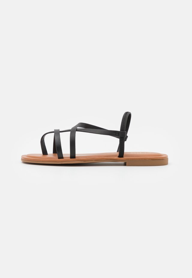 BROASA - Sandály s odděleným palcem - black