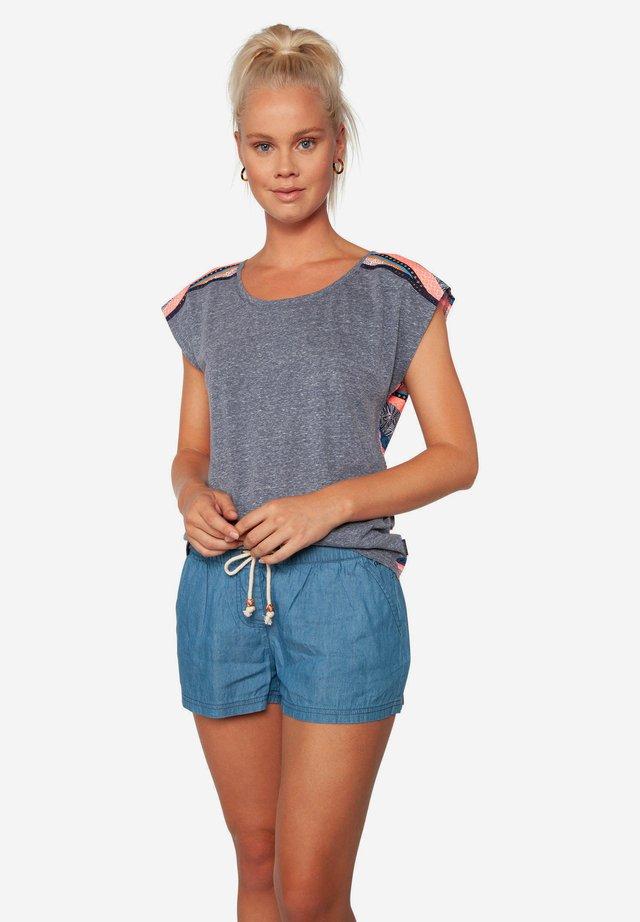 CHIVE - T-shirt print - fiji