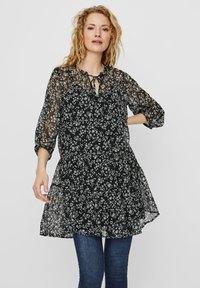 Vero Moda - VMWONDA TUNIC - Day dress - black - 0