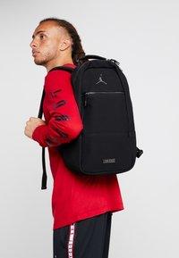 Jordan - COLLAB PACK - Plecak - black - 1