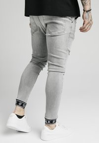 SIKSILK - CUFFED - Jeans Skinny Fit - washed grey - 4