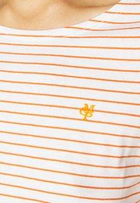 Marc O'Polo - SHORT SLEEVE ROUND NECK - T-shirts med print - sunbaked orange - 4