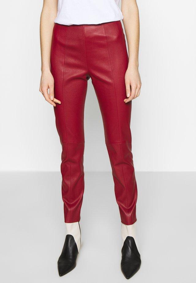 CLASSIC TROUSERS - Pantaloni di pelle - bally red