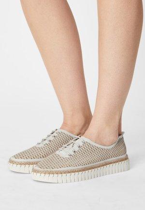 LEATHER - Volnočasové šněrovací boty - beige