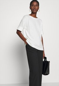 Esprit - BOXY TEE - Basic T-shirt - off white - 4