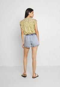 Gina Tricot - EASY - Denim shorts - blue - 2