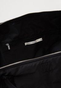 InWear - TRAVEL WEEKEND BAG - Weekend bag - black - 2