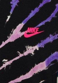 Nike Sportswear - TEE TIE DYE - Print T-shirt - black/baltic blue/hyper pink - 2