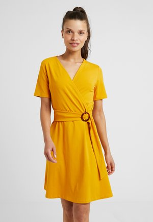 PLAIN BUCKLE FIT AND FLARE - Jersey dress - ochre