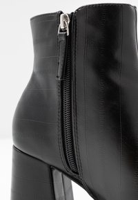 Topshop - EDDIE PLATFORM BOOT - Platform ankle boots - black - 2
