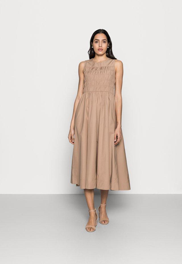 YACHI DRESS - Vapaa-ajan mekko - amphora