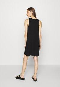 GAP - SWING DRESS - Žerzejové šaty - true black - 2