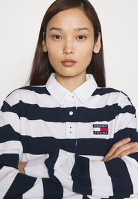 Tommy Jeans - STRIPED RUGBY - Polo - twilight navy - 3