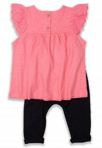 Cigit - T-SHIRT AND LEGGING SET - Medias - neon pink - 1