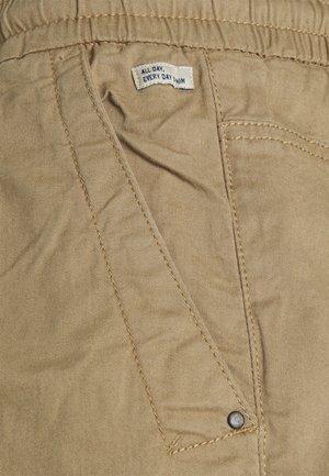 Shorts - lead gray